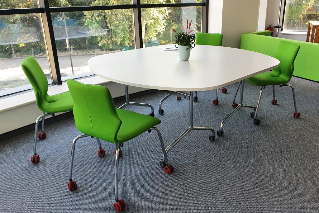07 Folding Tables And Green Chairs 01 7509