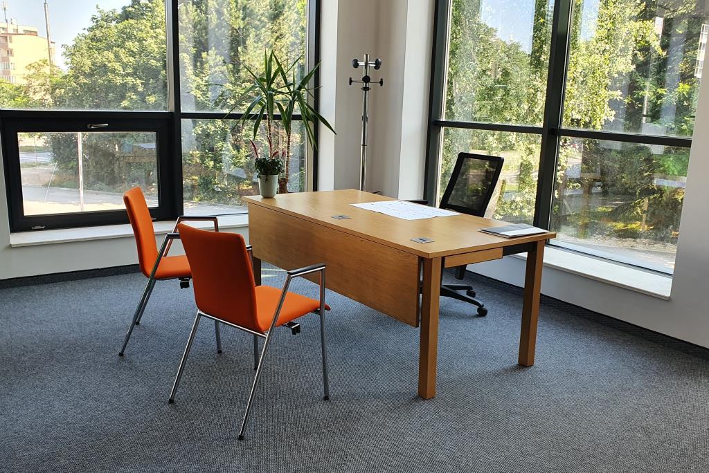 07 Varna Menagerial Desk 7515